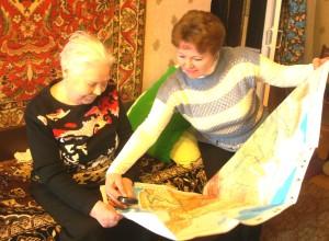 Анна Ивановна Вишневская с картой