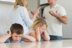 Как оформить развод, если есть несовершеннолетние дети: порядок, документы, заявление