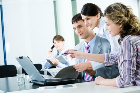 Кто проводит вводный инструктаж при приеме на работу или на рабочем месте - порядок проведения